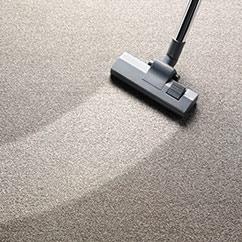 photo-vacuuming-carpet